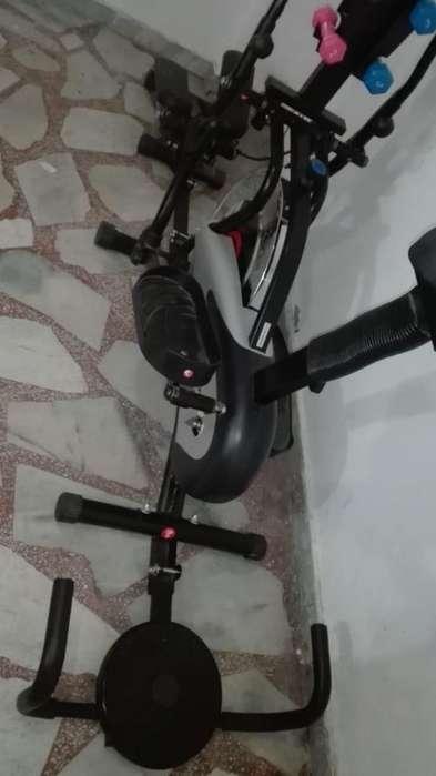 Hermosa bicicleta eliptica 7 meses de uso estado 9 de 10 como nueva