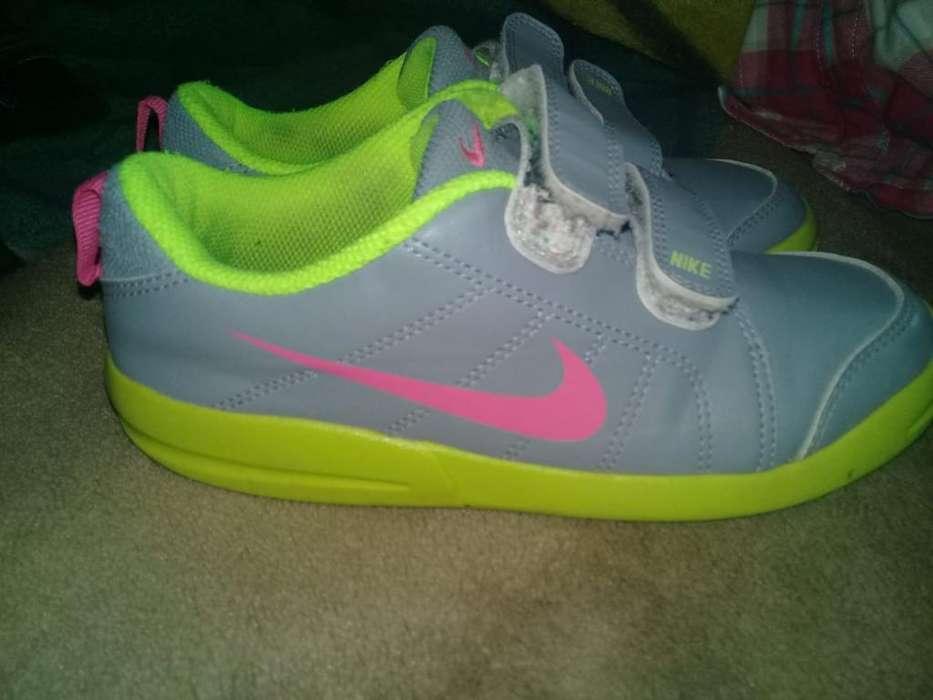 Zapatillas Nike T. 31