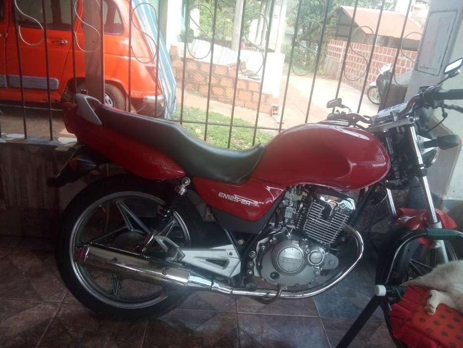 Moto <strong>suzuki</strong> 125 en