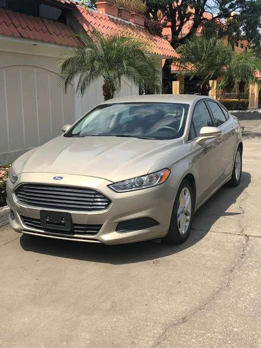 Ford Fusion 2015 - 30000 km