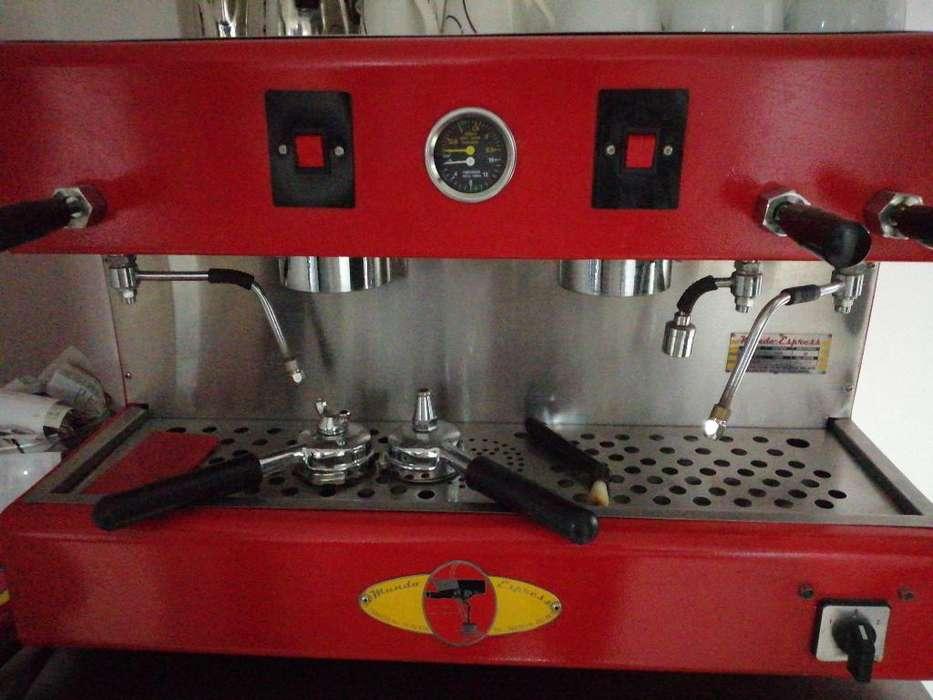 Venta de Cafetera en Excelente Estado