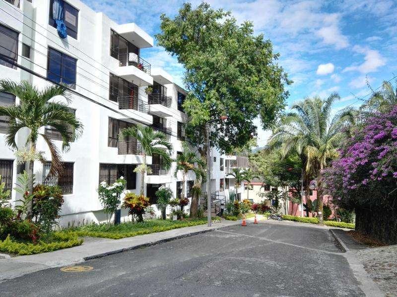 Cod. VBPAI10991 <strong>apartamento</strong> En Venta En Ibague Altos De Santa Helena Piso 2