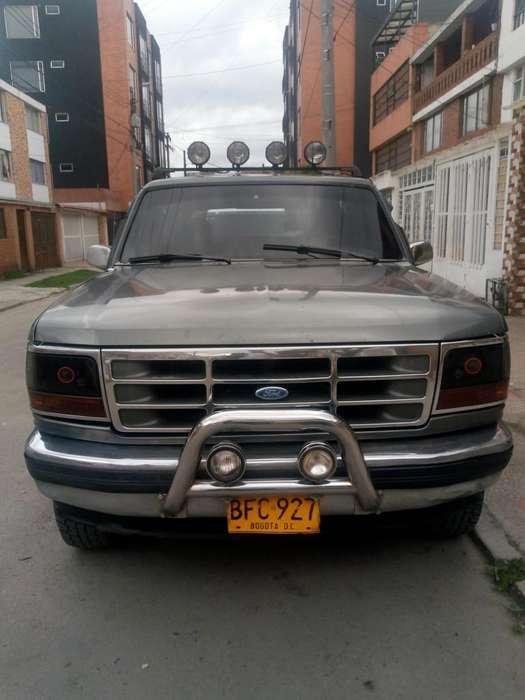 Ford Bronco 1994 - 374000 km