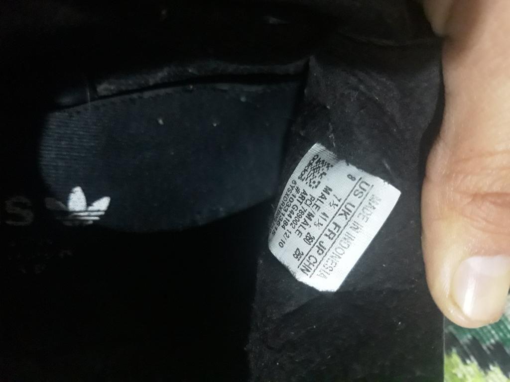 Zapatos Adidas ( Usados ) Talla 8 Gualaceo