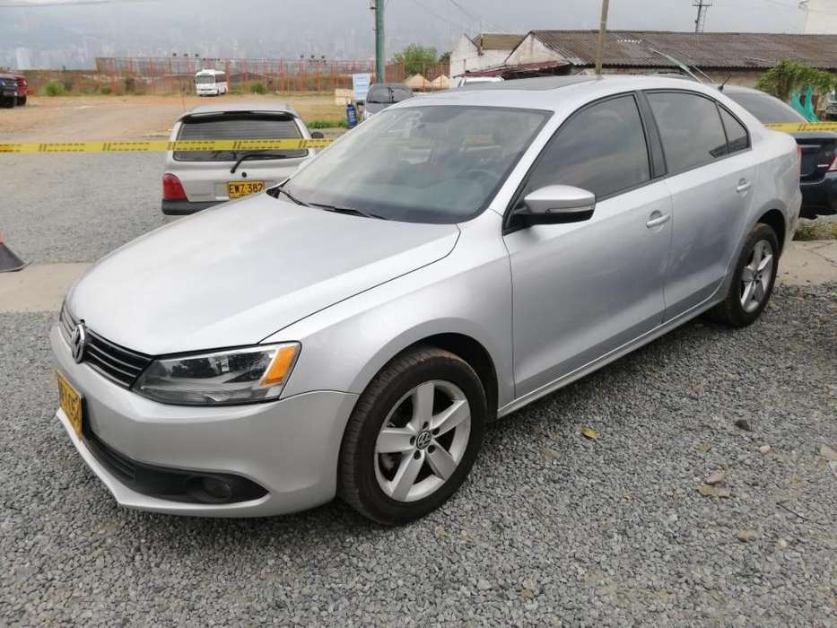 Volkswagen Nuevo Jetta 2013 - 119000 km