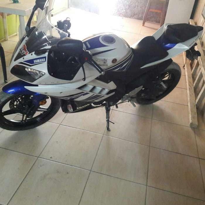 Vendo por Motivo de Viaje Yamaha R15