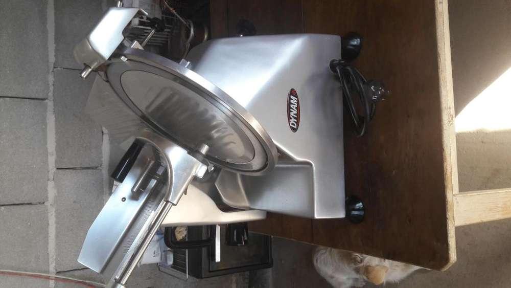 Vendo maquina de cortar fiambre dinam numero3541383366