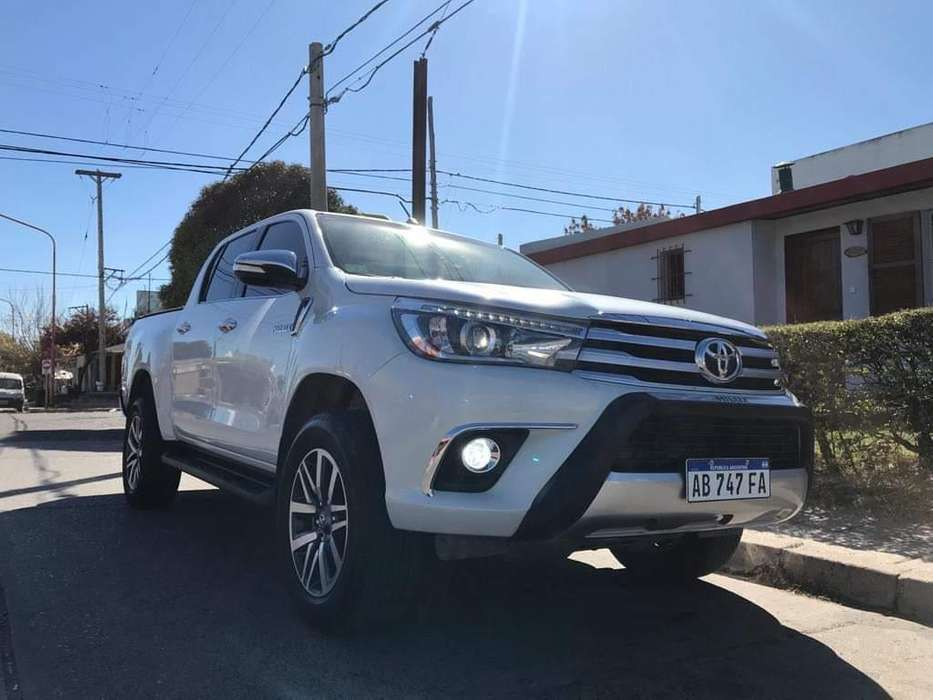 <strong>toyota</strong> Hilux 2017 - 30000 km