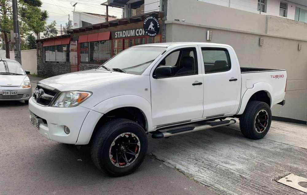 Toyota Hilux 2008 - 100000 km