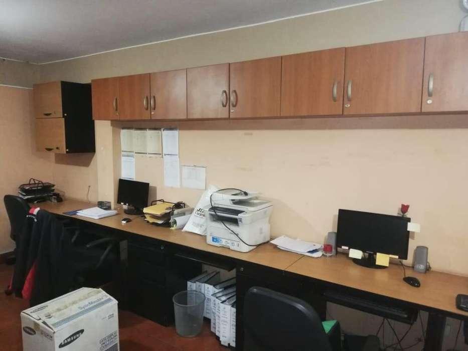 Muebles de Oficina, Computadoras e Impresoras