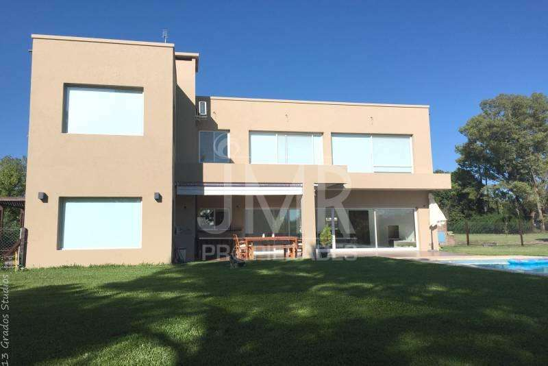 JMR Propiedades Barrio Marinas del Pilar Excelente Casa Moderna en Venta