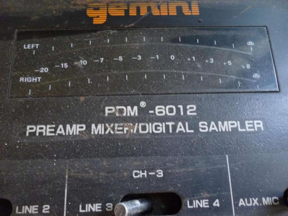 VENDO MIXER GEMINI PDM 8012 PREAMPLI MIXER DIGITAL SAMPLE