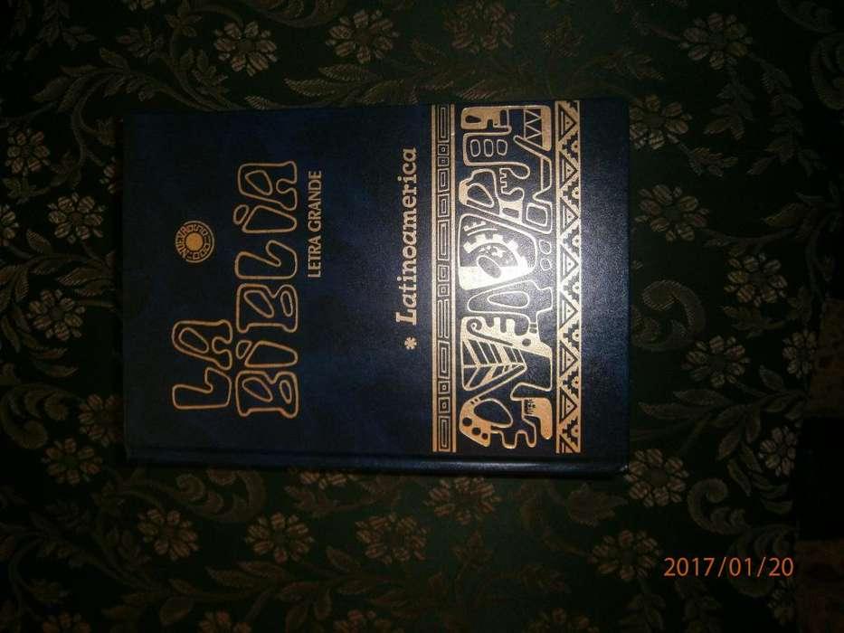LA SANTA BIBLIA nueva! EN LETRA GRANDE Conforme a la foto 100MIL PESOS COLOMBIANOS