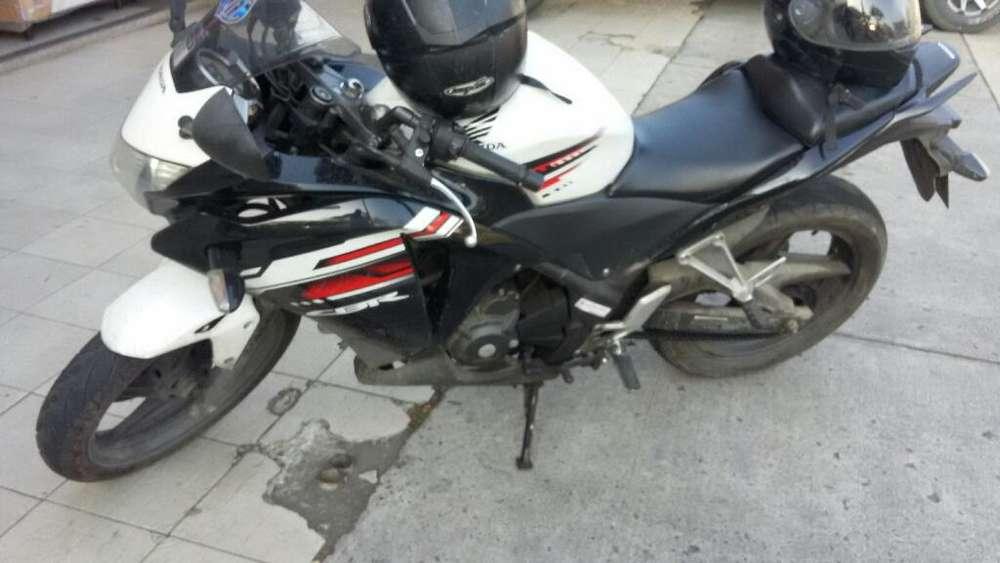 Vendo Moto <strong>honda</strong>
