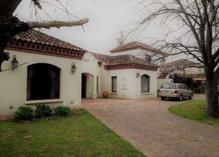 Importante Casa en Alquiler Temporal en Estancias del Pilar