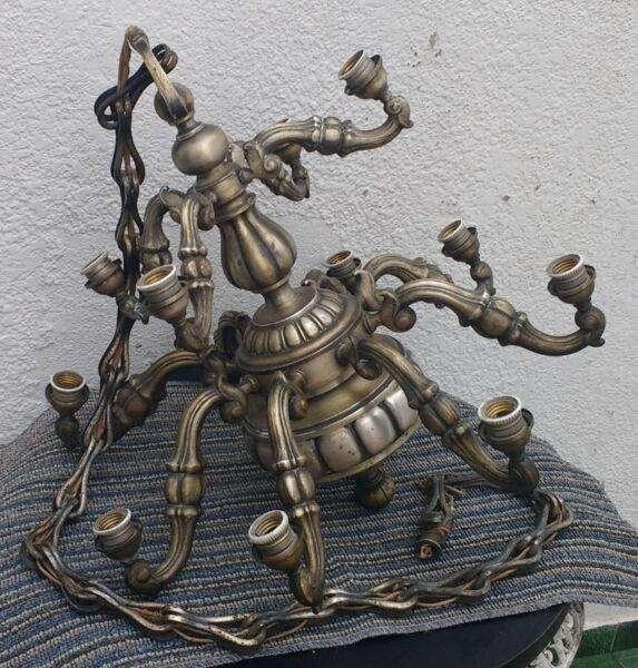 Araña artesanal italiana antigua en bronce