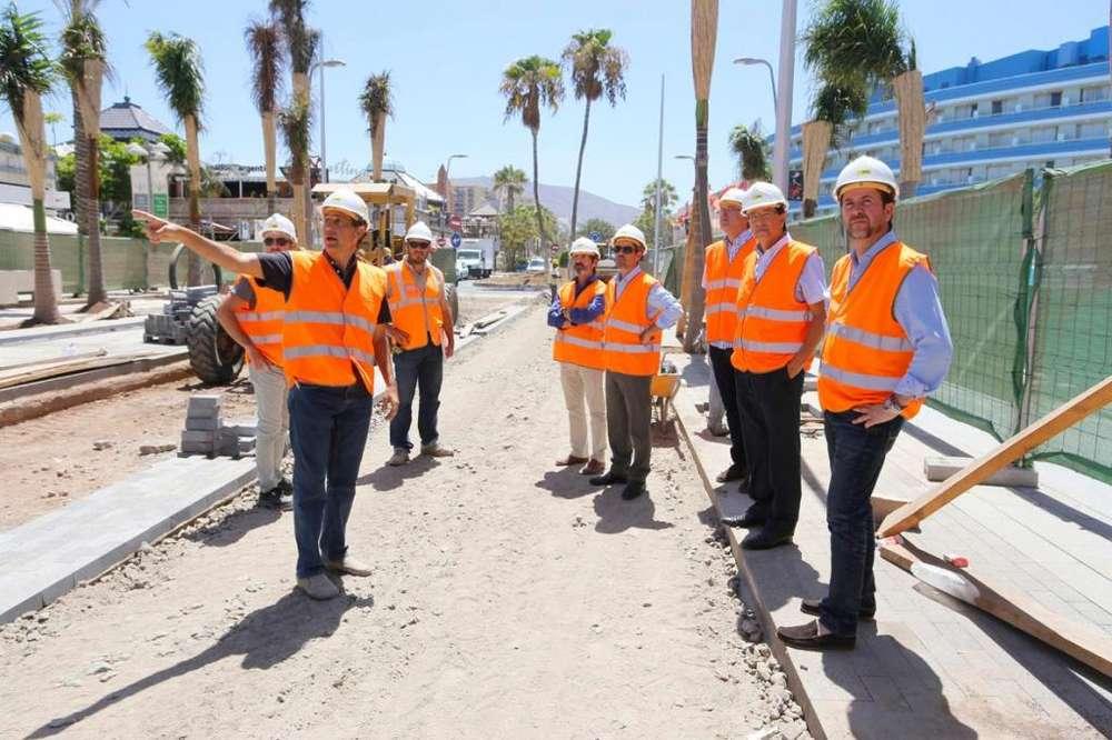 se solicita personal en las areas de construccion, vigilantes, capirteros, electricistas, entre otros
