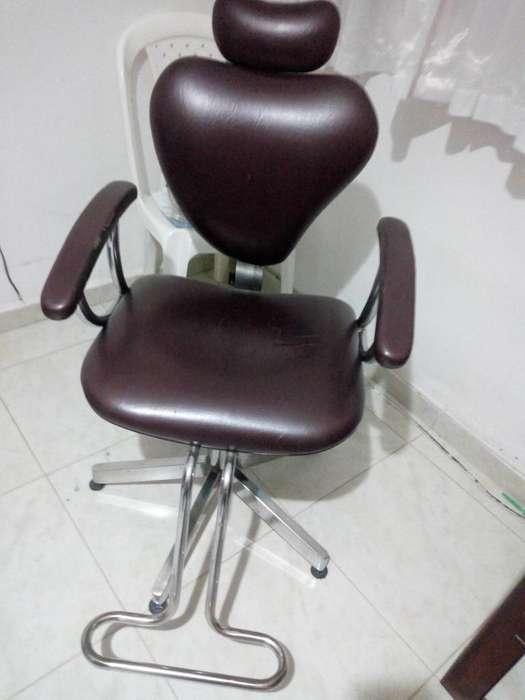 Se vende silla de peluquera en buen estado