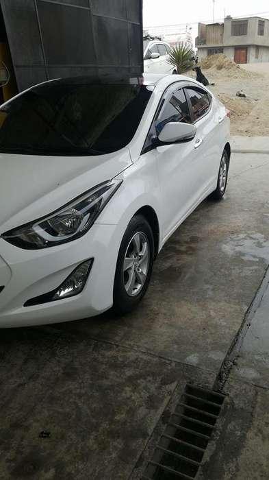 Hyundai Elantra 2015 - 38000 km
