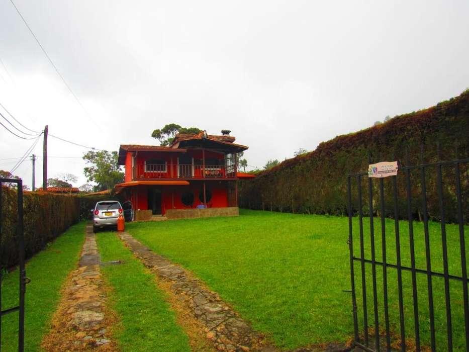Hermosa Cabaña Santa Elena