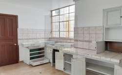 La Mariscal, casa comercial, 300 m2, alquiler, 10 ambientes, 4 baños, 3 parqueaderos