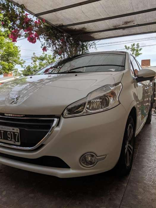 Peugeot 208 2015 - 40000 km