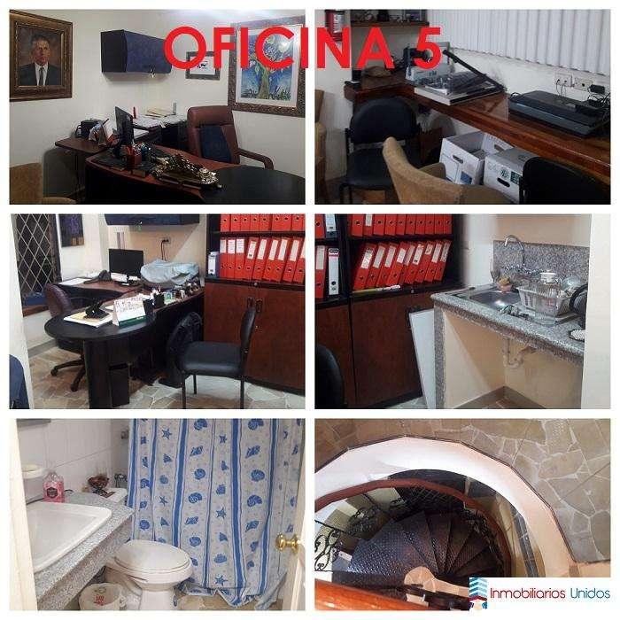 Vendo <strong>oficina</strong>/Suite planta alta en Urdesa Central Bálsamos Norte
