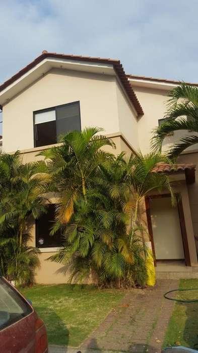 Alquiler de casa en <strong>ciudad</strong> Celeste Etapa Estela