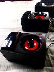 Vendo Parlantes Amplificadores de Sonido