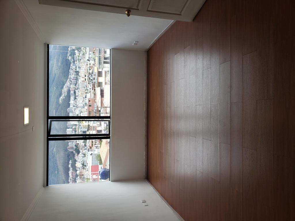 Shyris 250 oficina 25 metros 4 to piso