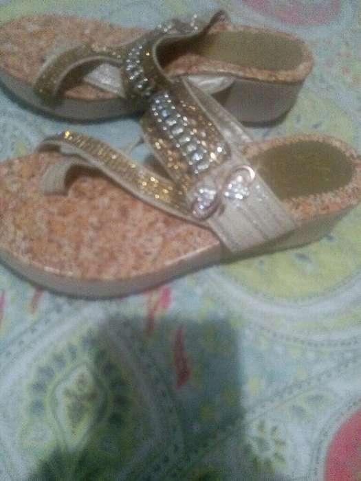 Vendo Hermosa Sandalias