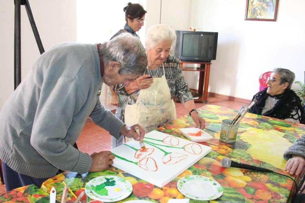 Taller de arte, escultura, preventivas para adultos mayores.