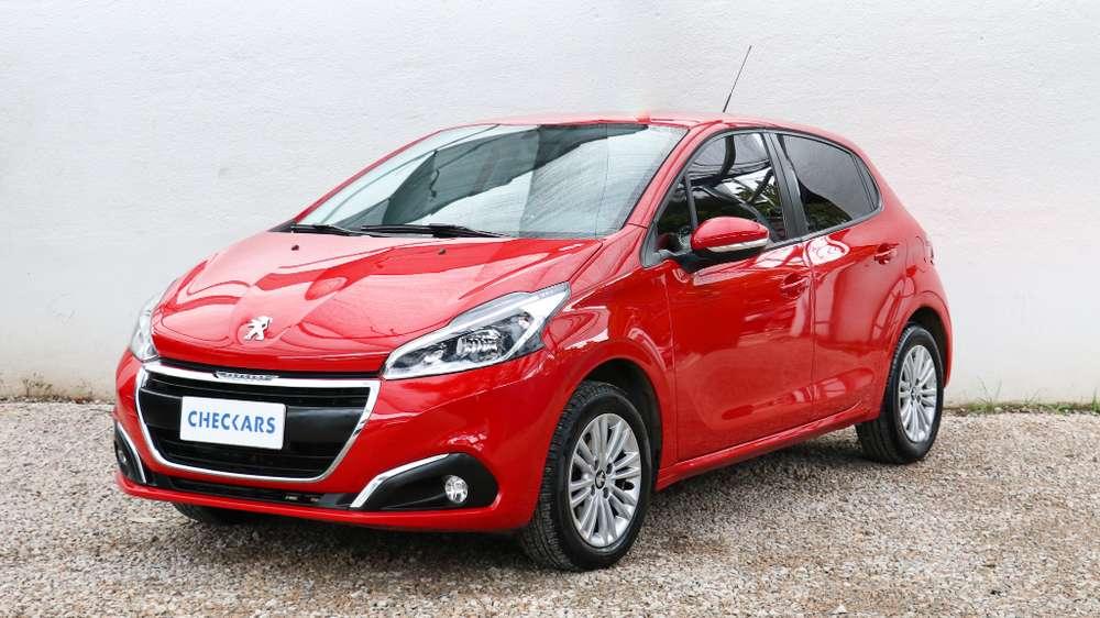 Peugeot 208 2018 - 19005 km