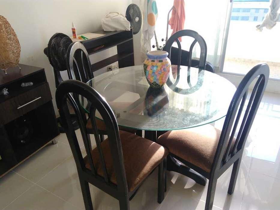 mesa redonda 6 puestos ,negociable