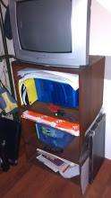 Mesa de tv y porta cds de algarrobo