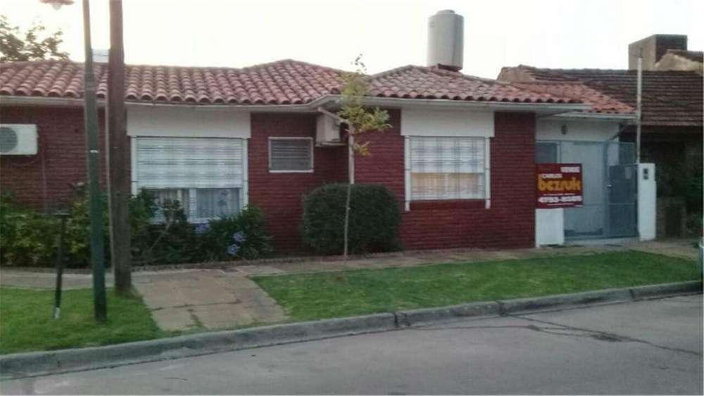 Beltran Fray Luis 2500 - UD 255.000 - Casa en Venta