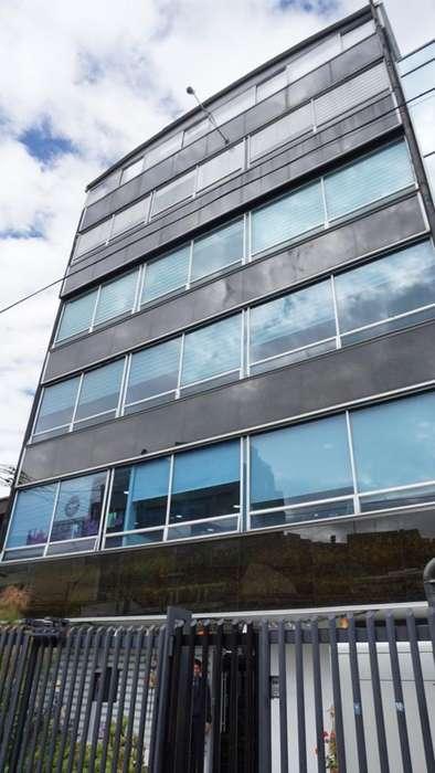 Espectacular <strong>oficina</strong> en Arriendo Santa Bárbara 64-00153