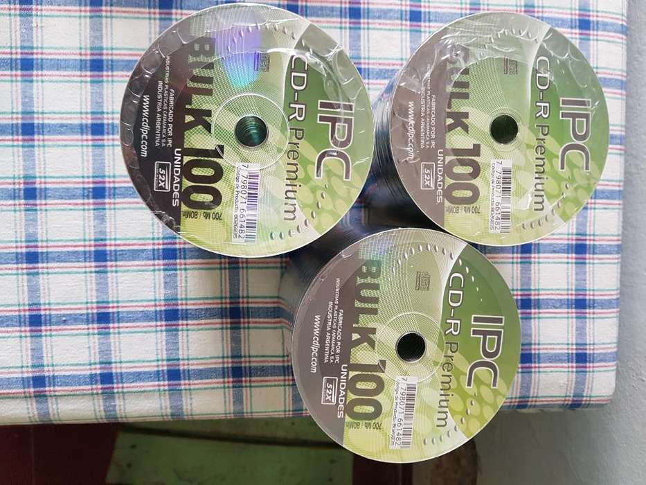 Vendo Pack de 100 Cd Virgen Ipc
