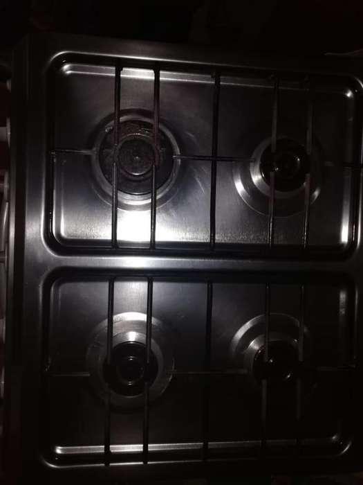 Estufa con horno a gas y gratinador eléctrico