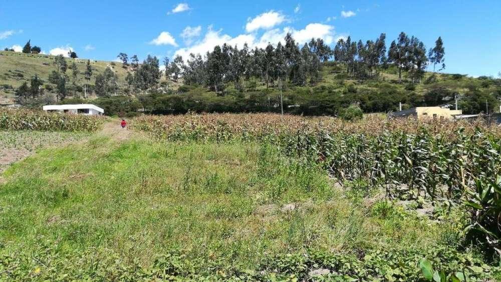 Terreno Cuzubamba - Cayambe de 1070 m2 a 34.000