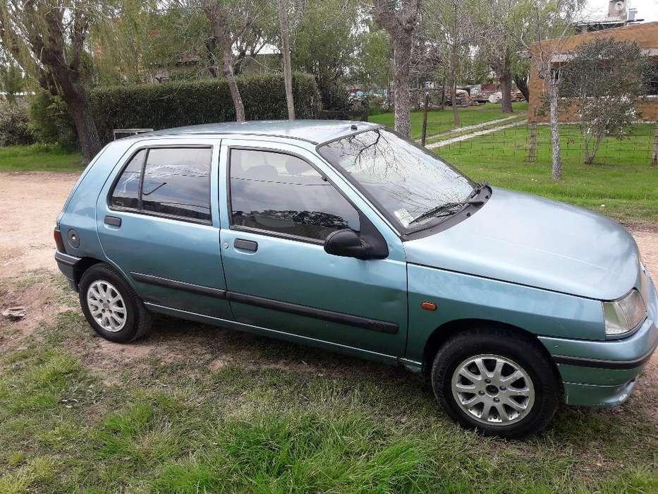 Renault Clio  1994 - 111111 km