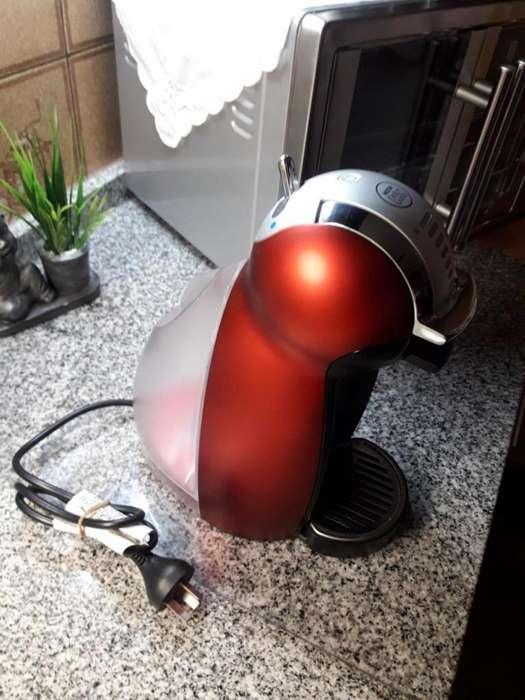 Vendo Cafetera Moulinex Dolce Gusto Genio 2 Automática Espectacular estado.