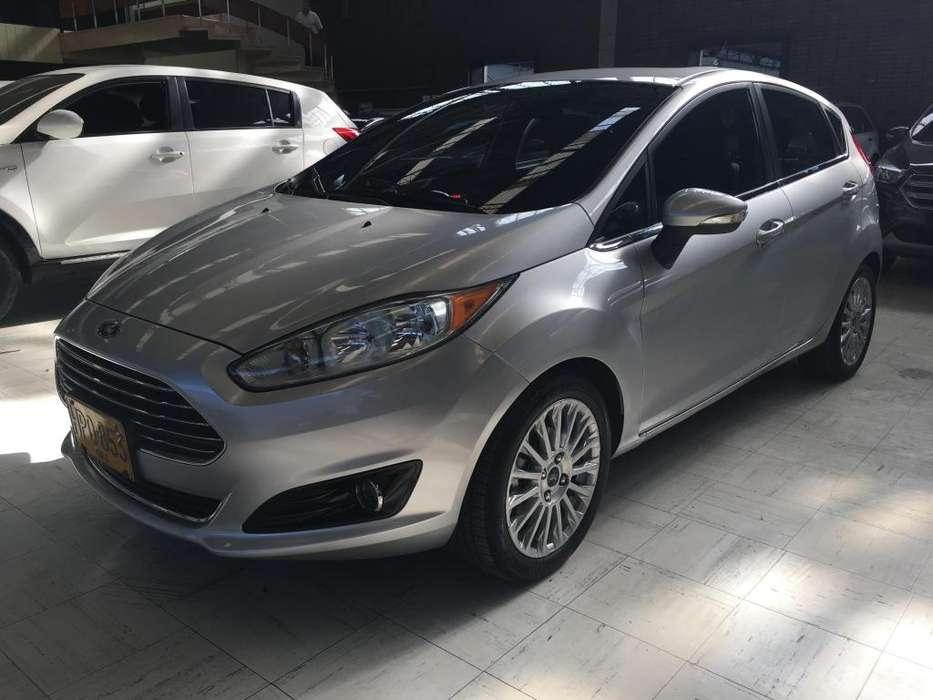 Ford Fiesta  2014 - 68800 km