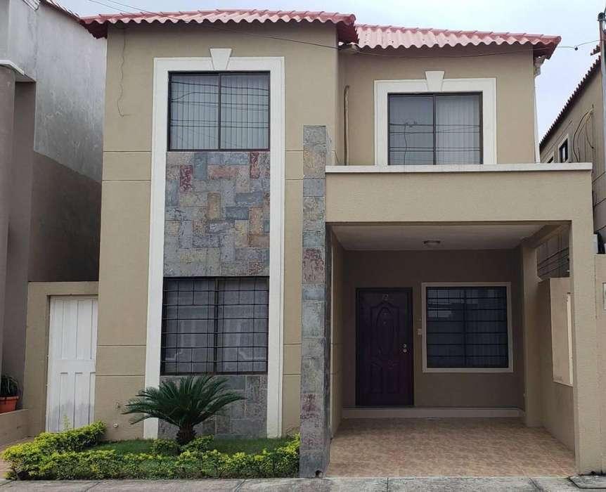 Venta Casa La Joya Etapa Zafiro, cerca del C.C Riocentro El Dorado, Aurora - S. Ibañez