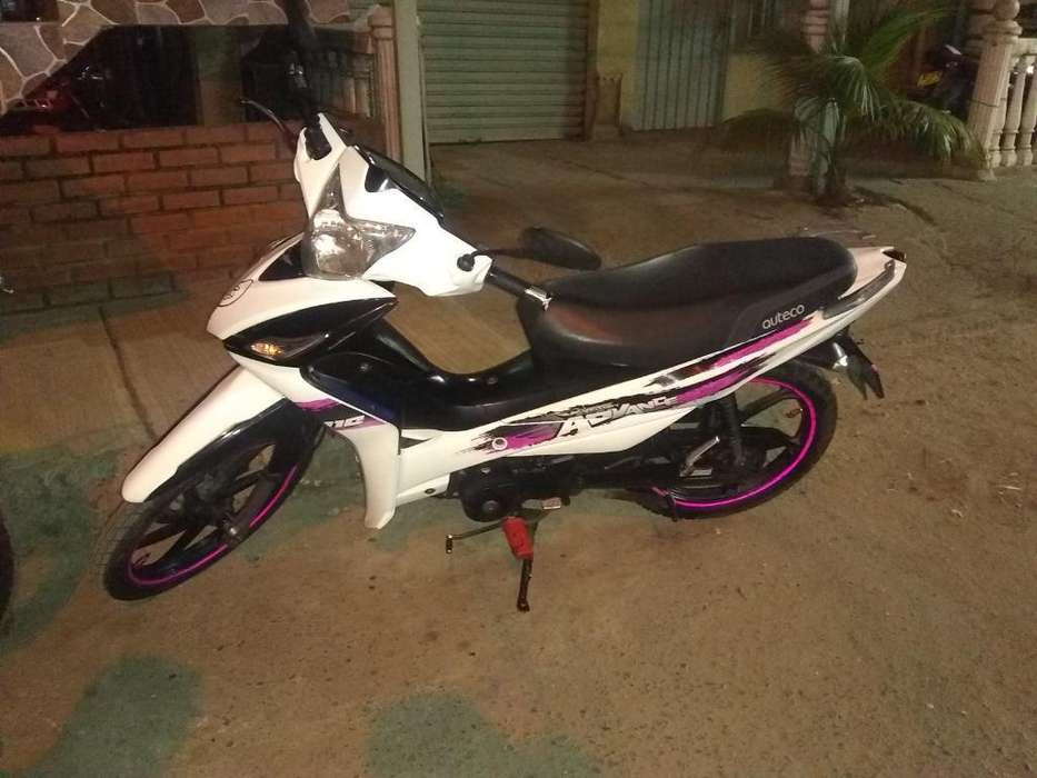 Vendo Moto Victory Advance