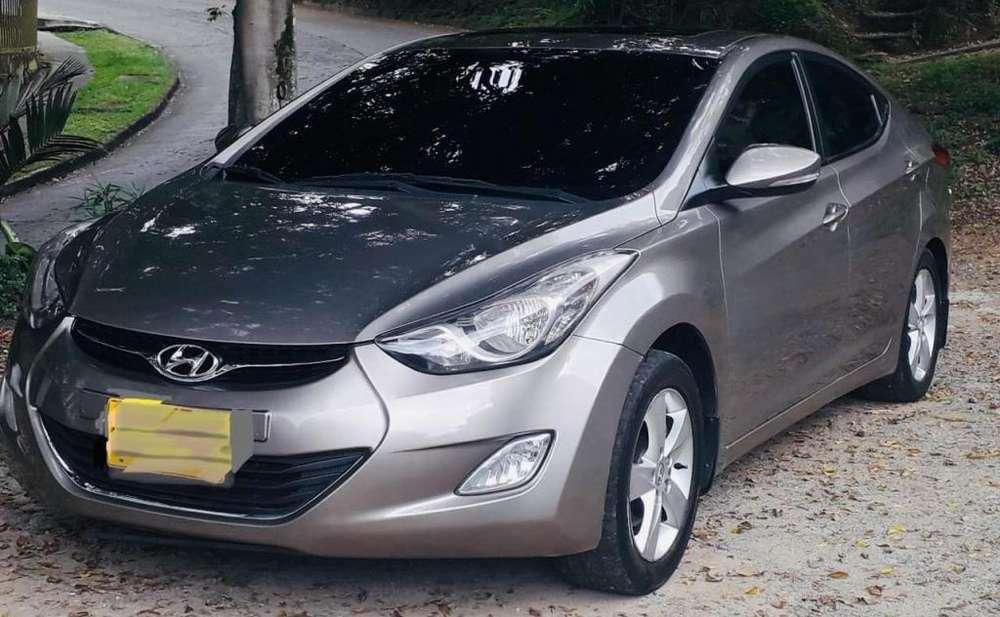 Hyundai Elantra 2013 - 80000 km
