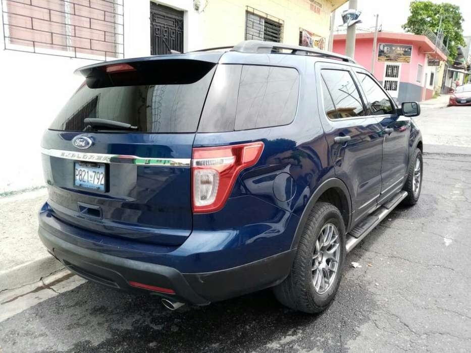 Ford Explorer 2011 - 90000 km