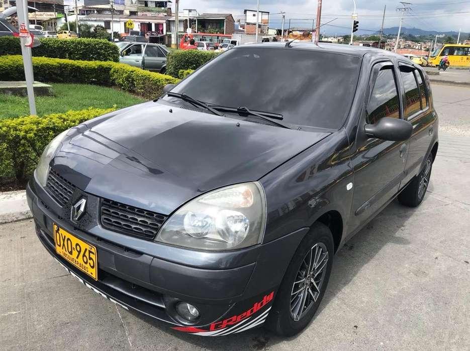 Renault Clio  2010 - 140000 km
