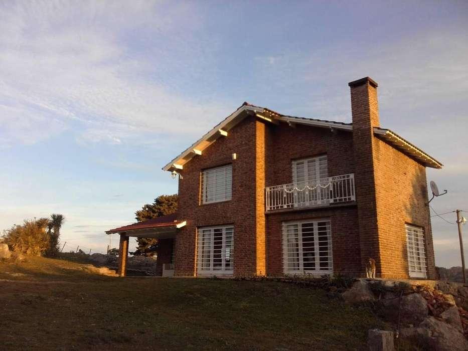gh23 - Cabaña para 3 a 15 personas con pileta y cochera en Tandil