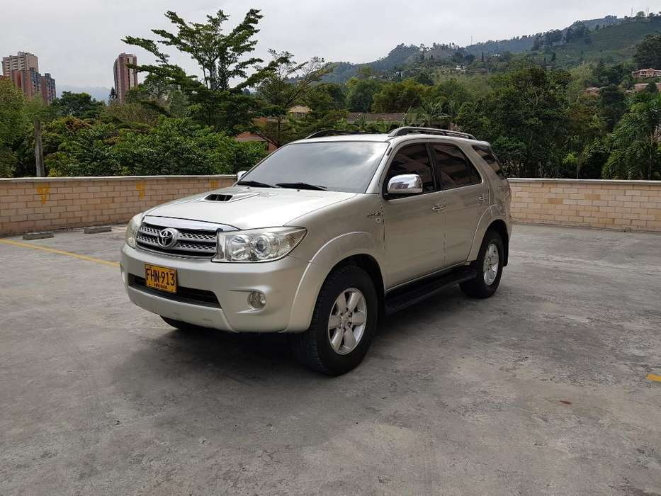 <strong>toyota</strong> Fortuner 2009 - 200000 km